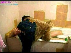 Видео про секс нападение в ванной