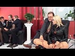 Порно видео лесбиянки страпон дилдора