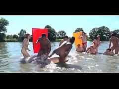 Девушки на нудистском пляже трахаются фото