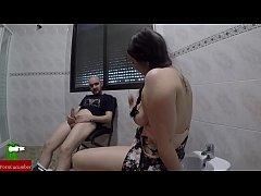 Брат и сестра в первый раз в ваннойвидео