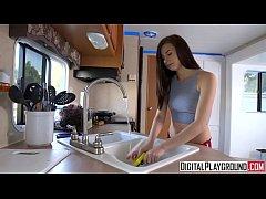 ochen-bolshie-dirki-analnie-erotika-video-golaya-na-ldu