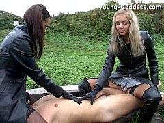 Порно три госпожи один раб россия
